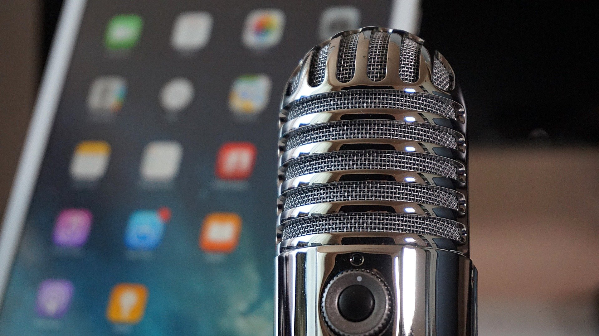 microphone-2469295_1920